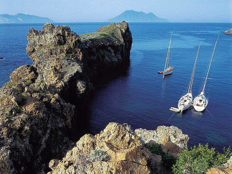 barche a vela isole eolie